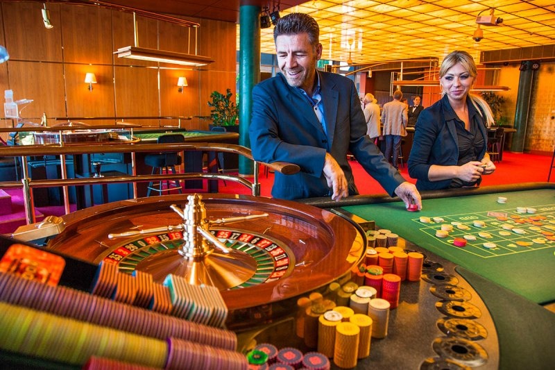 Guests can take part in the big game of American and French roulette.