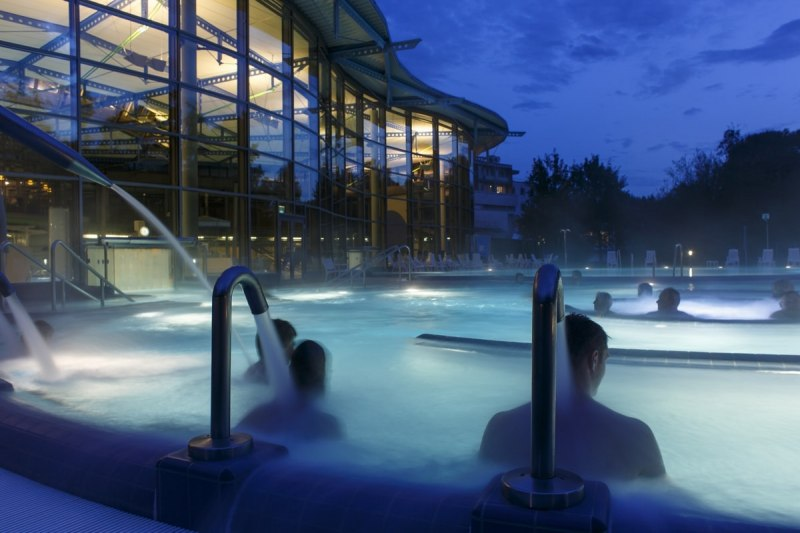Evening mood in the Waldsee-Therme
