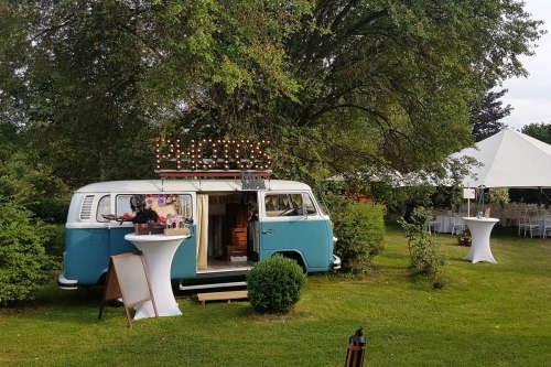 Photobus Fridolin is a welcome guest at every party